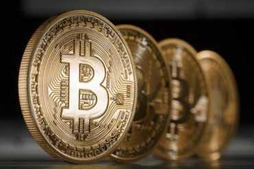 оплата услуг bitcoin биткоин